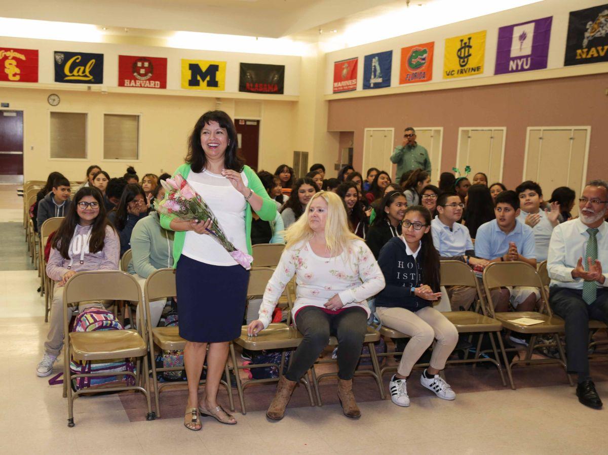 Conoce a la maestra latina del sur de Los Ángeles reconocida en todo EEUU
