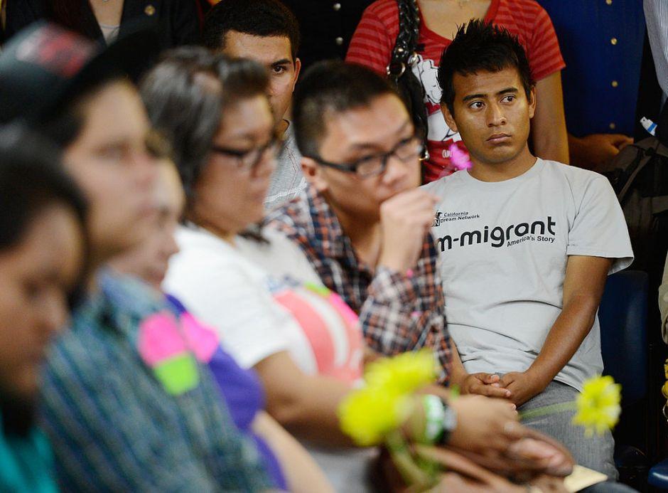 """La semana en inmigración trae algo de esperanza al futuro de """"dreamers"""" y """"DACAmentados"""""""
