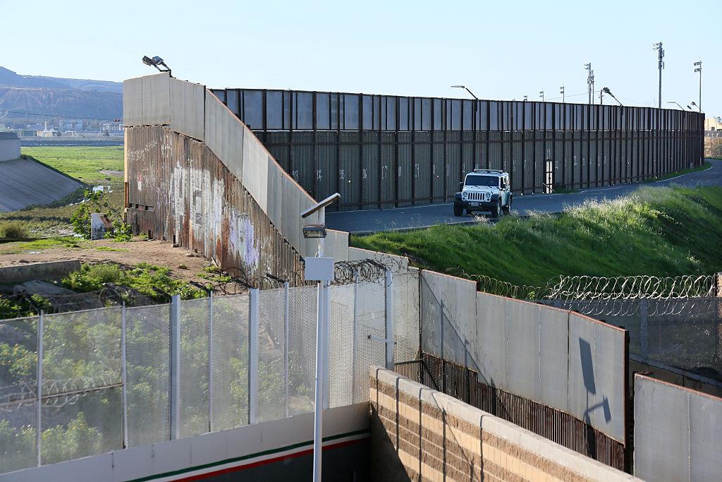 El Muro de Trump frena flujo de migrantes antes de construirse