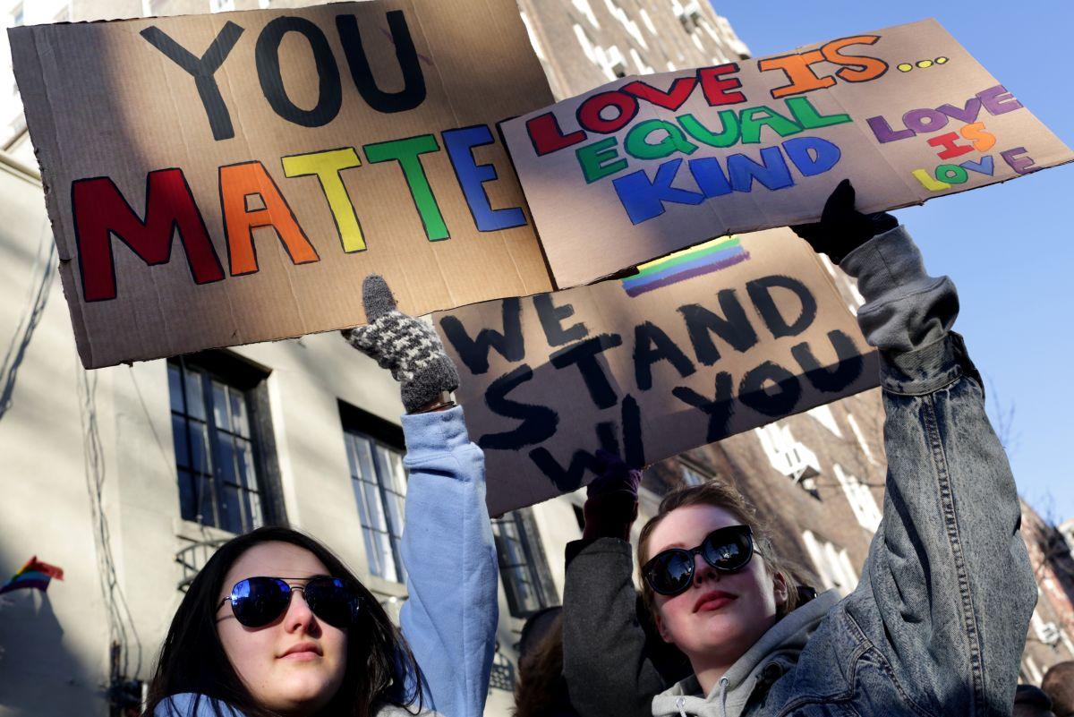 Legisladores y activistas gay piden al Censo corregir omisión sobre esta minoría