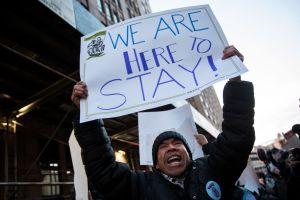 """ICE continuará deportación de inmigrantes potencialmente protegidos por leyes """"privadas"""""""