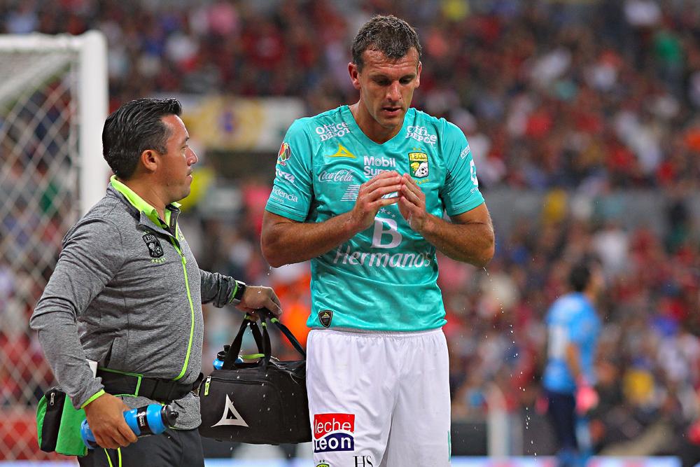 Suspenden, de momento, a Diego Novaretti por agredir a un árbitro