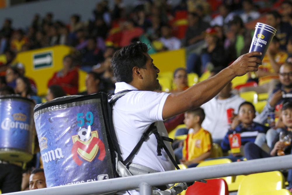 """""""Siente tu liga, ¡sin chelas!"""" Estadios en México le dirían adiós a las cervezas"""