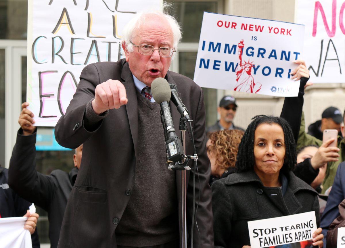 """Sanders a Trump: """"No te metas con los pobres ni con los indocumentados"""""""