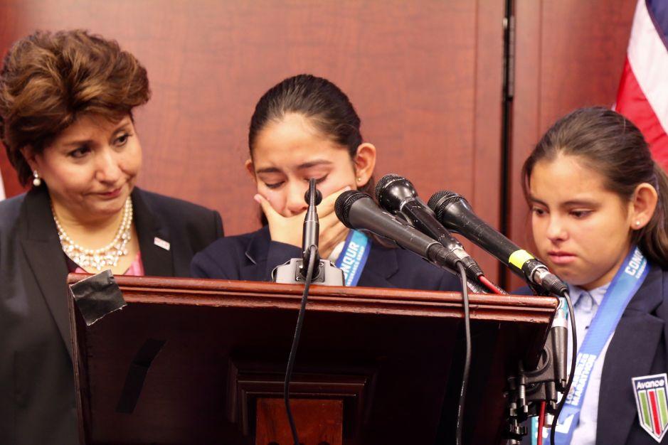 """""""Estamos aquí para quedarnos"""", el emotivo mensaje de la hija de un mexicano detenido por ICE"""