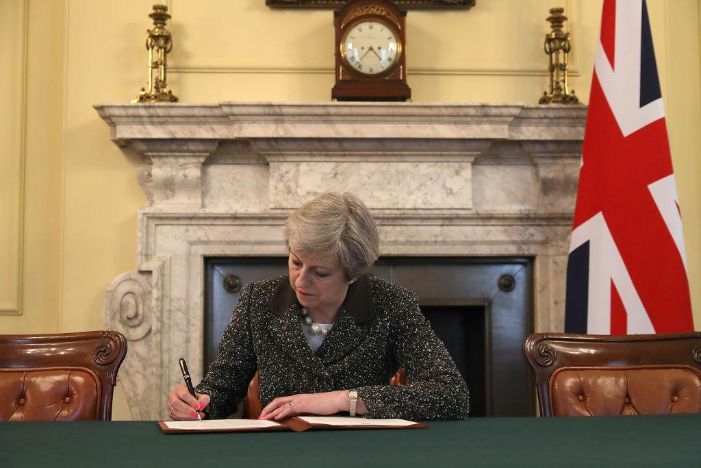 Brexit: Theresa May firma la carta que dará inicio a la salida de Reino Unido de la Unión Europea