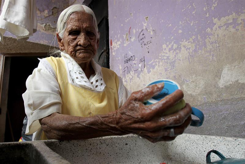María Félix vive en Tlaquepaque, Jalisco, y tiene 116 años, según ella, gracias a que comió sano.