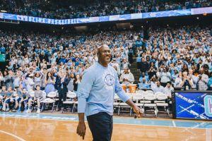 Michael Jordan vestirá con su marca a los Charlotte Hornets