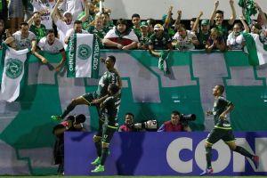 Chapecoense venció con garra a Atlético Nacional en la ida por la Recopa sudamericana