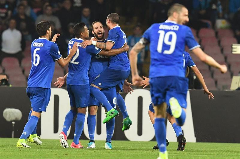 Video: Doblete de Higuaín a su exequipo mete a Juventus a la final de copa en Italia