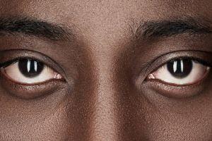 """Familia racista pide ver a un """"doctor real"""" y confunde a la doctora con una limpiadora por su color de piel"""