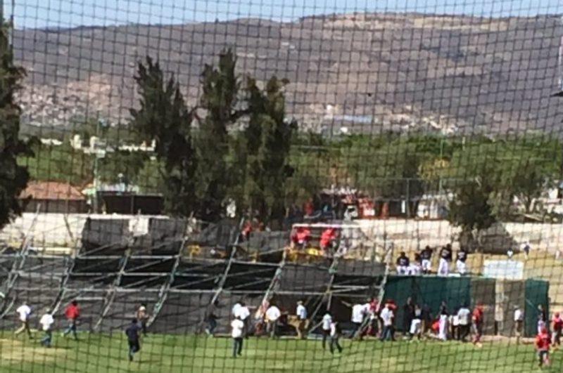 La escena del accidente en el estadio de beisbol de León.