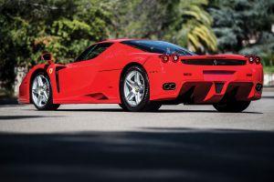 A subasta un raro Ferrari Enzo Unique Rosso Scuderia