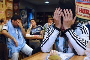 ¡Juegue, juegue! El coronavirus no para el futbol en Argentina