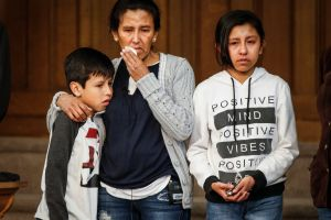 Indocumentada lleva dos meses refugiada en iglesia de Colorado para evitar su deportación