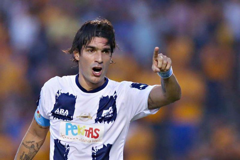 ¡Record Guinness! El 'Loco' Abreu ya es el jugador con más clubes en la historia del fútbol
