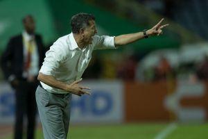 Un extécnico del Chicharito recomendó a Osorio las rotaciones en la selección mexicana