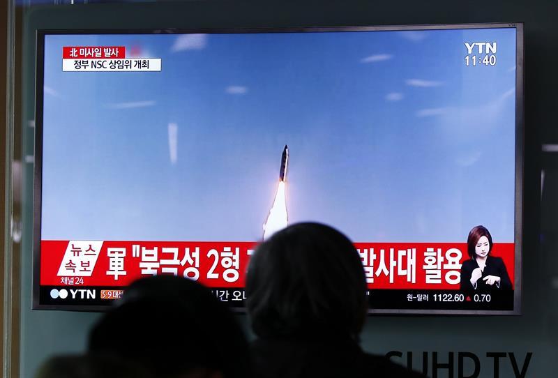 Corea del Norte lanza nuevo misil sobre Mar de Japón