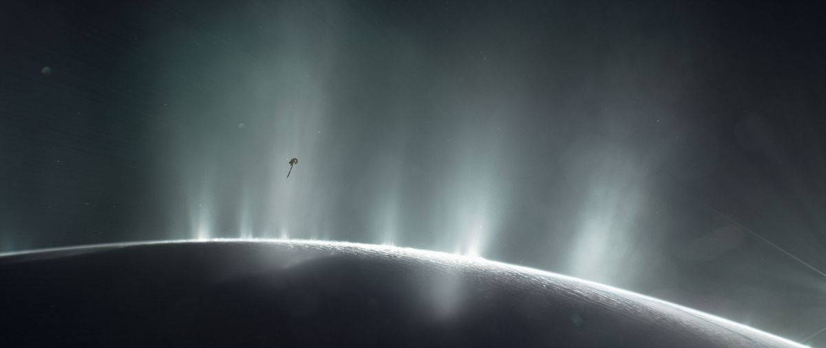 Los descubrimientos de  de Cassini y Hubble ayudarán a la búsqueda más amplia de vida más allá de la Tierra.
