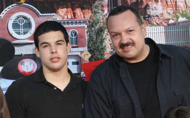 Pepe Aguilar prepara el lanzamiento de un libro en donde también hablará de su hijo