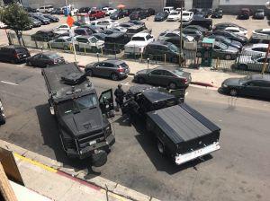 Hombre armado provoca clausura de edificio en Downtown LA
