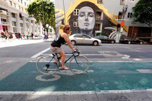 Los Ángeles cierra tramos de calles para que los vecinos puedan disfrutar en el vecindario