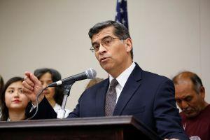 Fiscal de California pone sobre aviso a los empleadores en caso de redada ICE