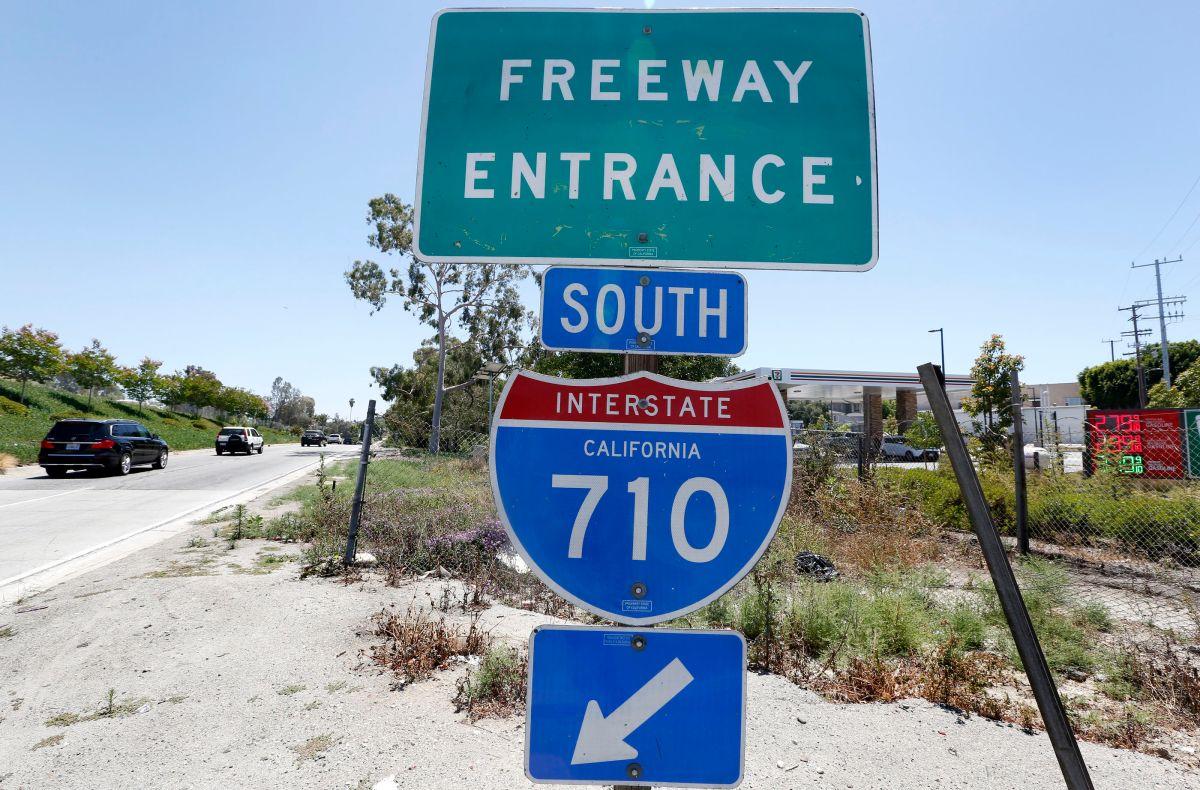 El proyecto del túnel para extender la autopista 710 siempre fue muy controversial.   (Aurelia Ventura/ La Opinion)