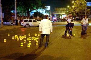 VIDEO: Conductor de Televisa rompe en llanto al quedar en medio de balacera