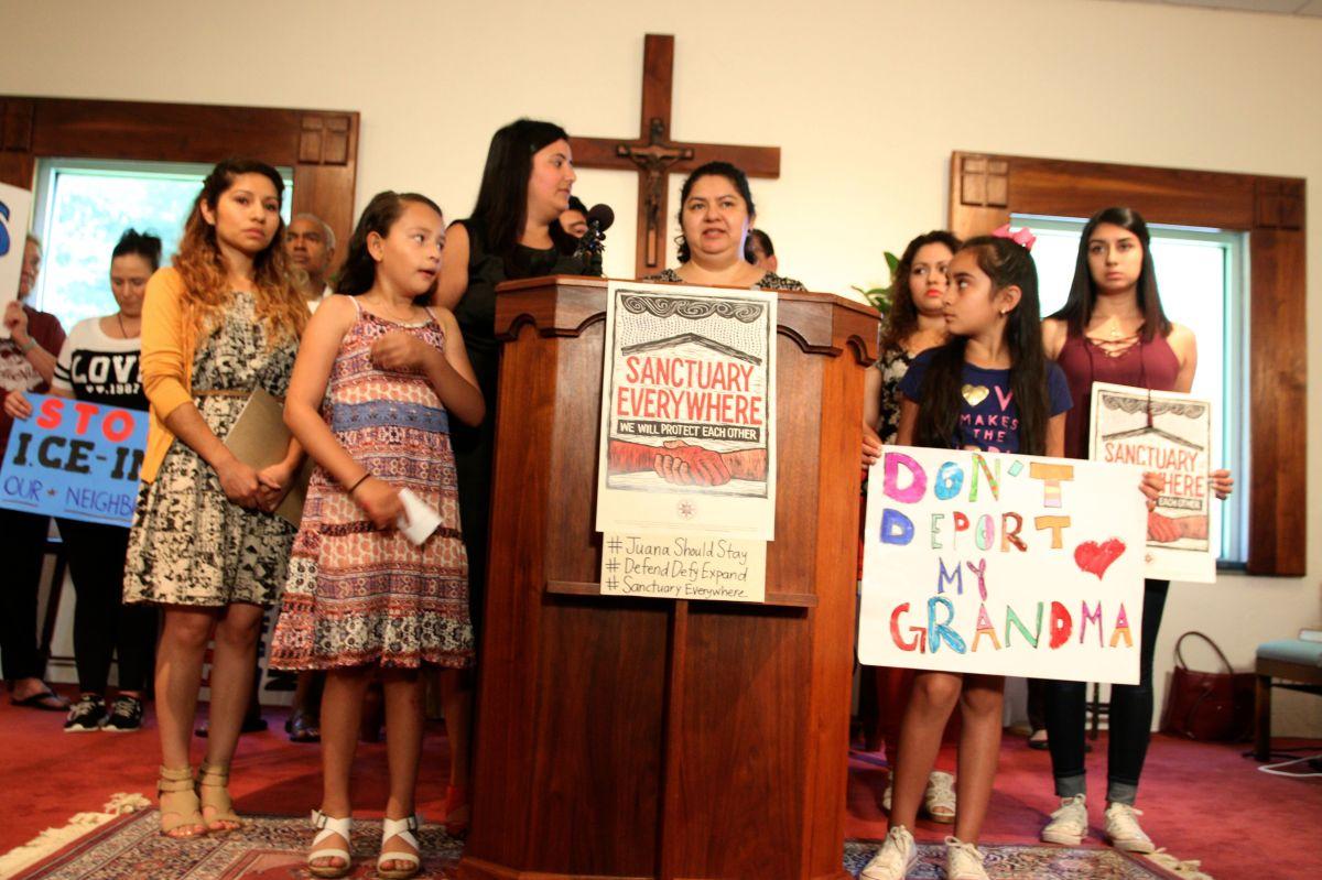 """Guatemalteca desafía a ICE y se encierra en """"iglesia santuario"""" en Carolina del Norte"""