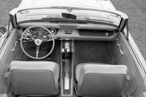 Evolución del volante del Ford Mustang (1965-2018)
