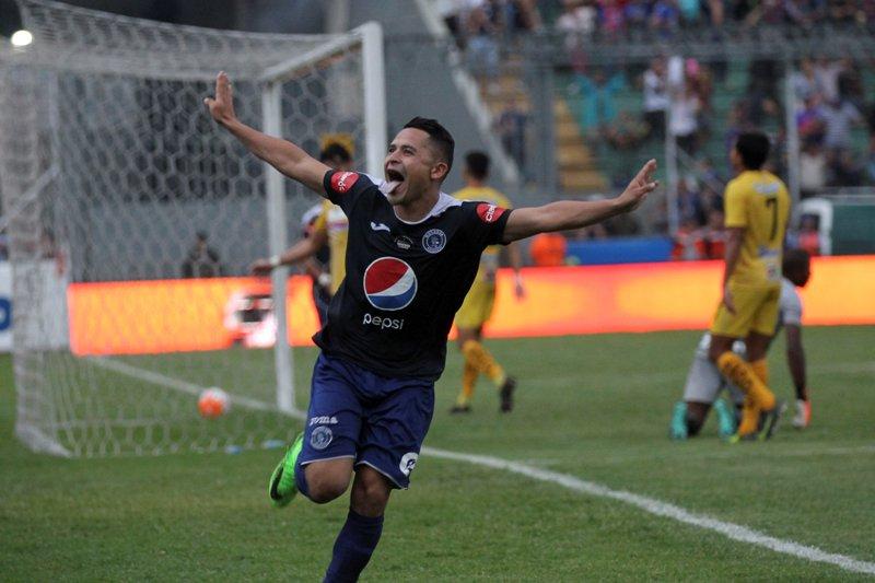 Sorpresas y sed de revancha en las rectas finales del fútbol de Guatemala, El Salvador y Honduras