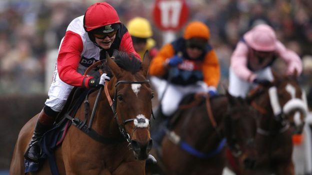 La campeona olímpica y mundial de ciclismo de pista cumplió su meta en las carreras de caballos.