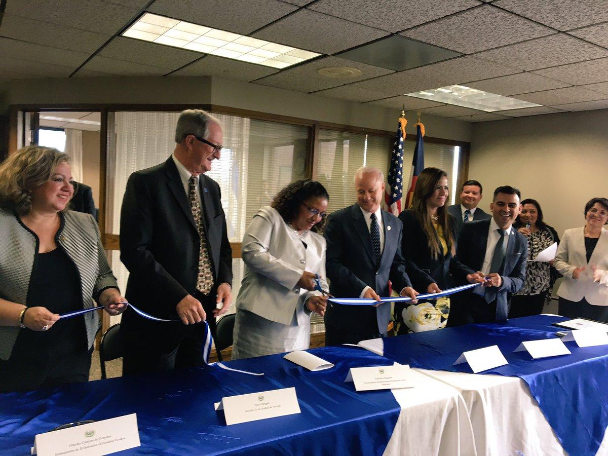 El Salvador abre consulado en Colorado