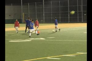 Club de fútbol abre puertas a pequeños jugadores angelinos