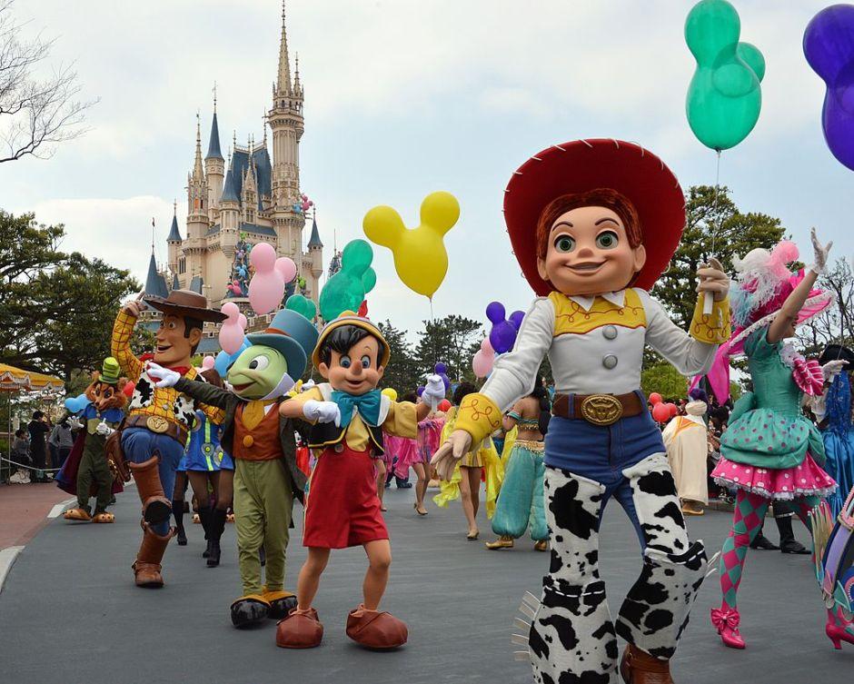 Oportunidades de empleo en Disneyland por días festivos