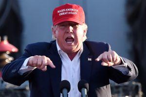 Trump ahora se vuelca contra las visas de entrada a EEUU