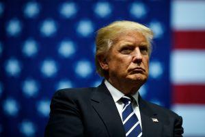 Denuncian que Trump reveló información clasificada a Rusia