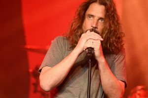 Famosos lamentan la muerte de Chris Cornell en redes sociales
