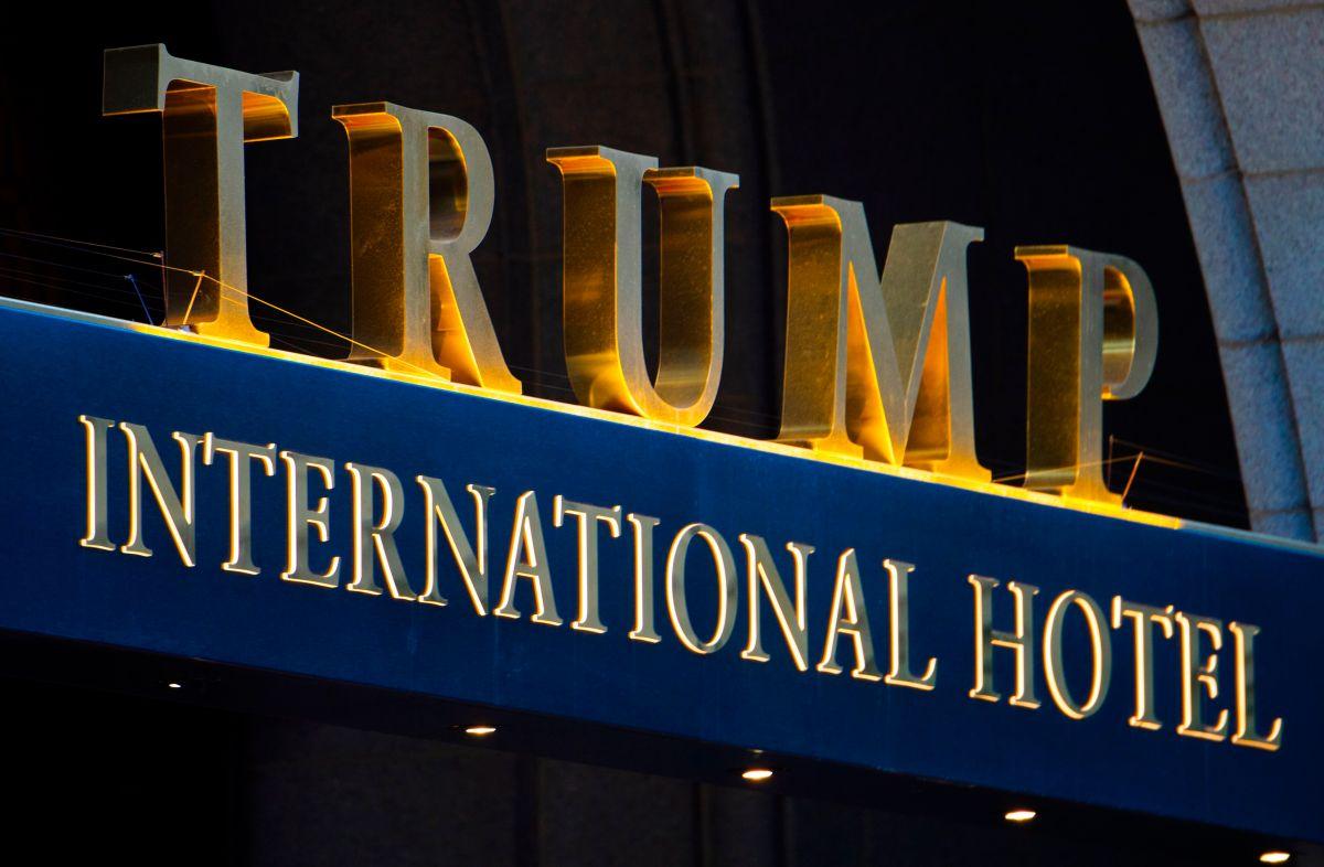 Arrestan a hombre armado en hotel de Trump en Washington
