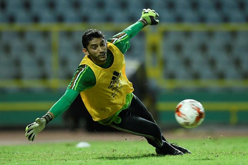 El portero Jesús Corona es baja de la convocatoria de la selección mexicana