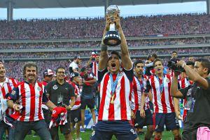 Alan Pulido aceptó que hubo ayuda arbitral a Chivas en la final que le ganaron a Tigres