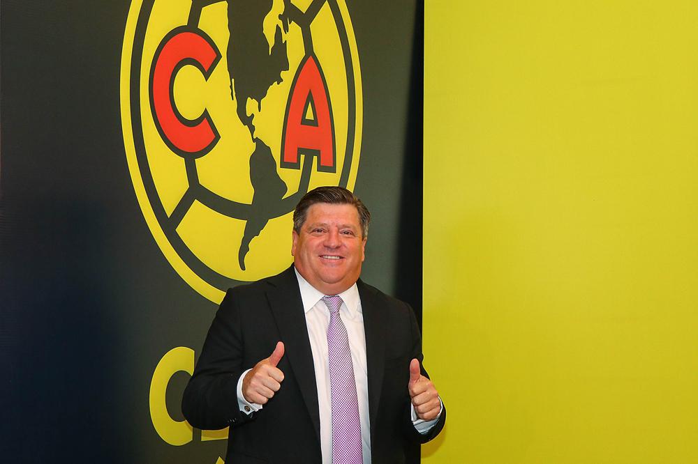 Miguel Herrera fue presentado como técnico del América y tiene a Chivas en la mira