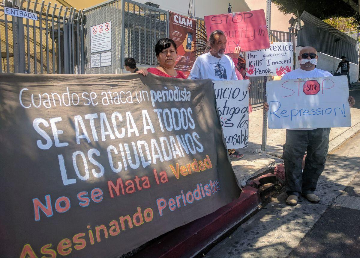 Desde L.A. se grita: ''Alto al asesinato de periodistas en México'
