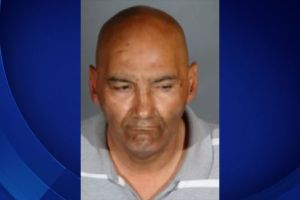 Acusan a hombre de atacar sexualmente a mujer en iglesia de East LA