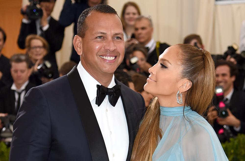 Alex Rodriguez y Jennifer Lopez, felices de la vida.