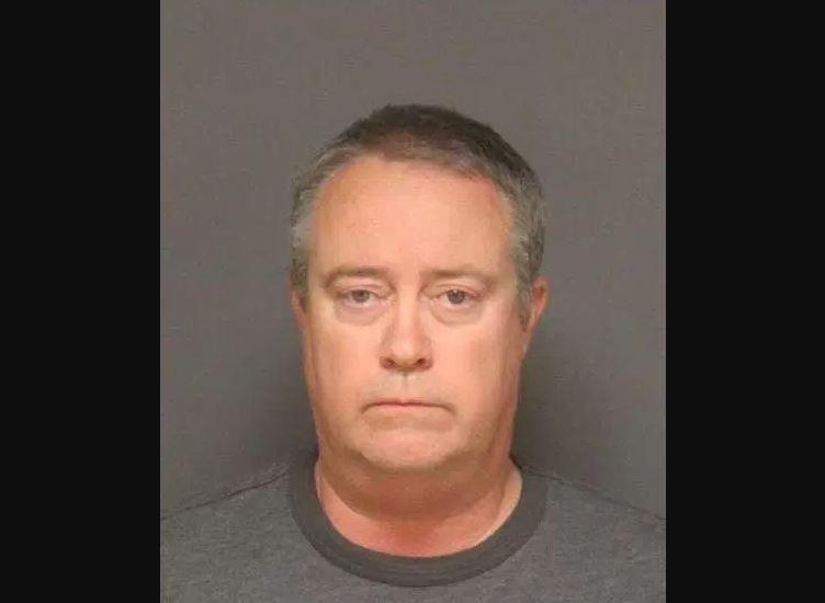 Jerry Wayne Langley, de 50 años, enfrenta cargos por supuestamente tratar de tener relaciones sexuales con un menor.