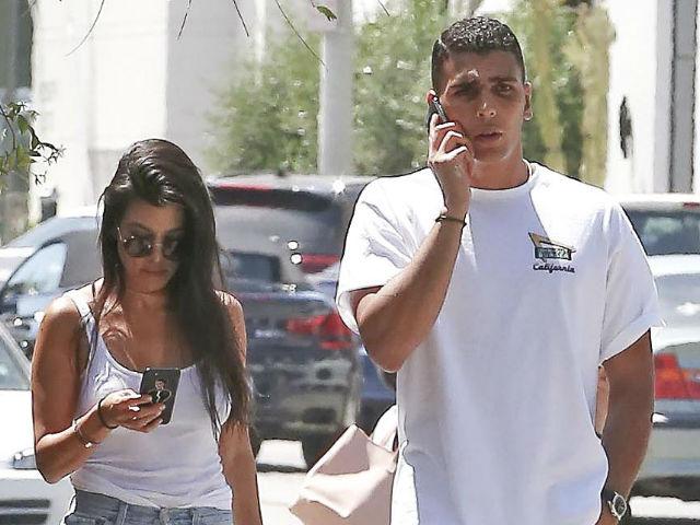 Kourtney Kardashian podría haber encontrado el amor junto a un joven modelo