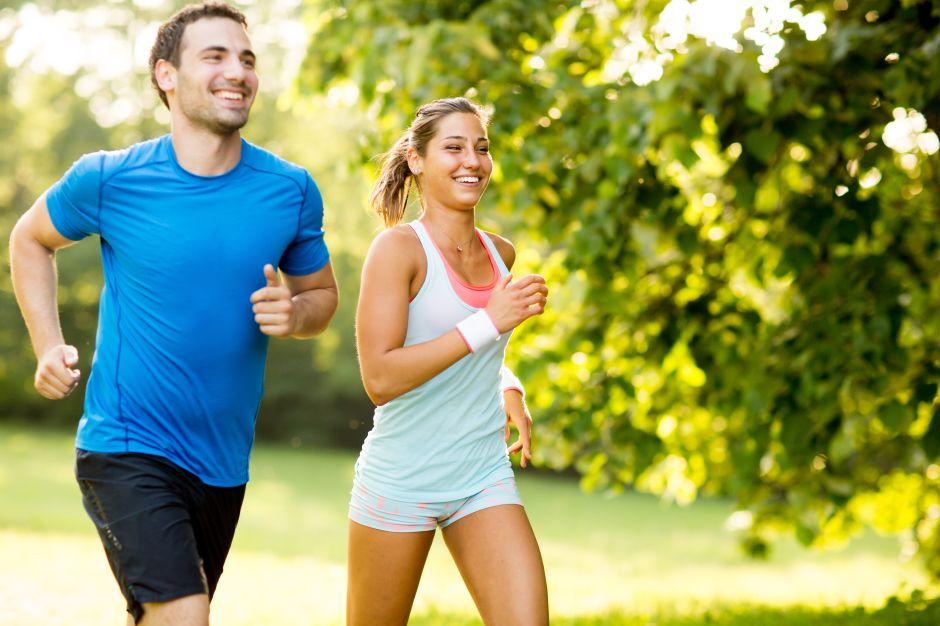¿Es mejor hacer ejercicio en el día o la noche?