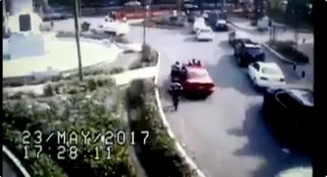 Video: Conductora arrolla a policías para evitar multa en la CdMx